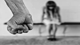 Menina de 8 anos morre de hemorragia durante relações sexuais com esposo