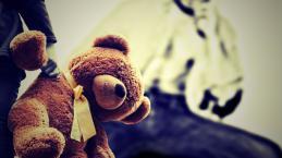 Pedofilia: Irmãos são presos por fotografarem a si mesmos abusando de crianças