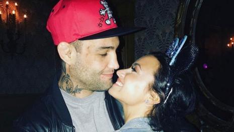 Não pegou Neymar? Demi Lovato afirma que faz 3 meses que não fica com ninguém