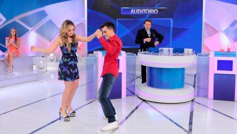 Larissa Manoela age diferente de Maisa Silva e dança com Dudu Camargo