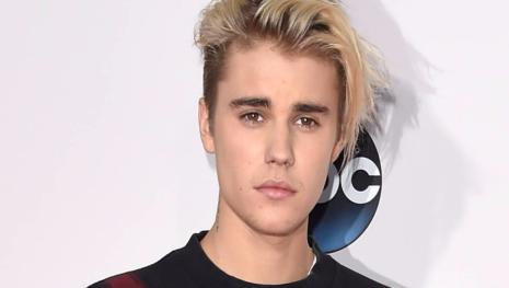 Justin Bieber se afasta de todos os amigos e explicação preocupa