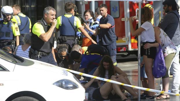 Responsáveis por atropelamentos em Barcelona planejavam ataques com bombas