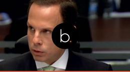 Assista: Prefeito João Doria é pressionado por jornalistas e se irrita