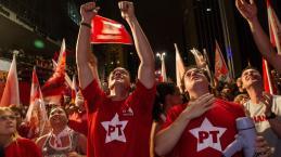 Lula diz que não pode morrer antes de voltar a ser presidente