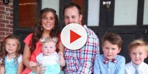 Duggar family under fire for lavish trip to Illinois