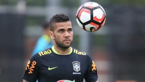 Jogador Daniel Alves é surpreendido com tragédia envolvendo sua tia materna