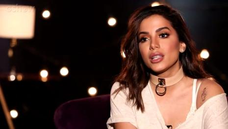 Assista: Anitta anuncia xeque-mate no show business