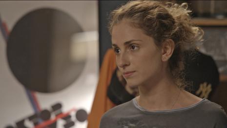 'A Força do Querer': Ivana é vítima de ataque homofóbico e o irmão a defende