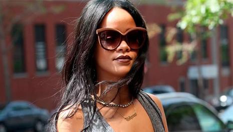 Rihanna faz pedido final a Drake e revela futuro do 'romance'