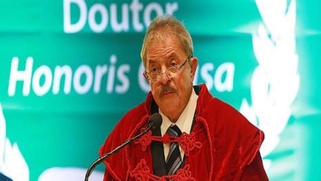 Lula recebe título de doutor em Alagoas
