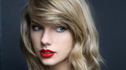 Taylor Swift's 'snakey' video clip: Hints a release of a new song
