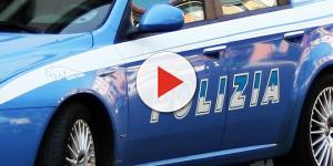 Video: Gira con il piumino ad agosto: arrestato dalla Polizia
