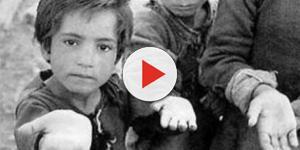 Niños de la calle suplican por alimentos en las panaderías en Venezuela