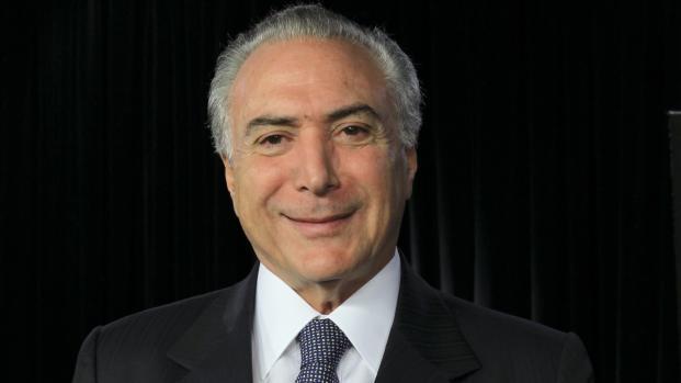Santos avalia postura do Brasil quanto aos casos de terrorismo