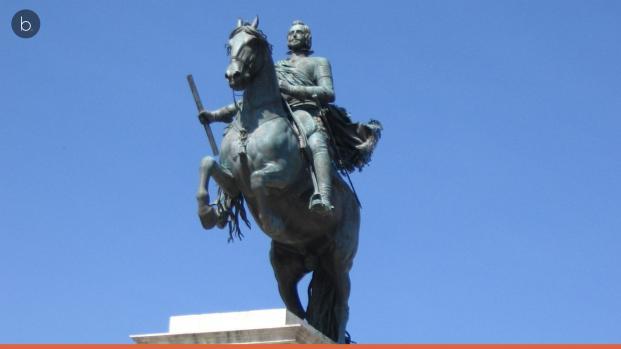 El 'rey de la cabeza cortada' que cabalga por la Plaza de Oriente