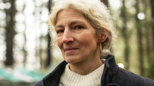 Ami Brown of 'Alaskan Bush People' spends birthday with vigil on her death bed