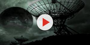 Video: misteriosi segnali dallo spazio potrebbero essere alieni secondo Hawking