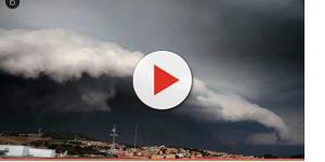 VIDEO: Tromba d'aria spaventosa colpisce alcuni paesi nel Salento: le foto
