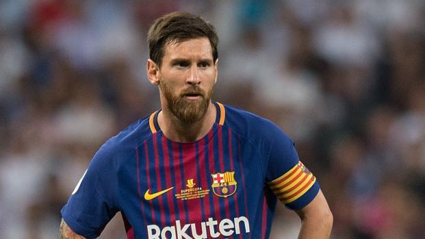 Messi ousa no short e tatuagem indiscreta é revelada