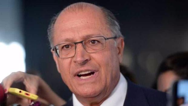 Vídeo: como nunca visto, Alckmin fica nervoso e sai aos gritos com deputado