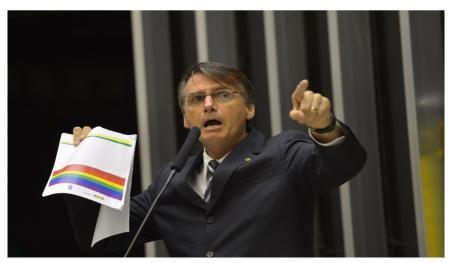 Saiba qual forma de governo Bolsonaro quer trazer para o Brasil