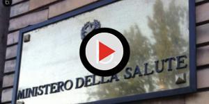 Video: Acqua minerale con batterio killer, scatta ritiro: ecco lotti pericolosi