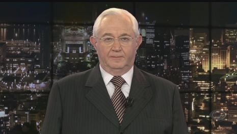 Jornalista Boris Casoy paga R$ 60 mil a gari que foi ofendido em telejornal