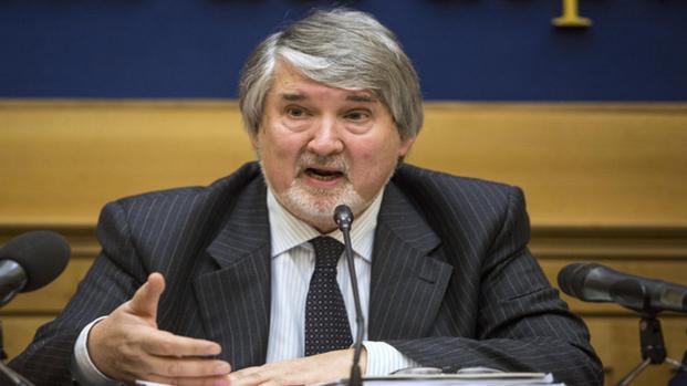 Video: I sindacati mandano un documento unificato, Poletti risponde