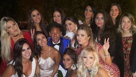 'Um homem não pode ser amigo de uma mulher', ironiza nova 'parceira' de Neymar