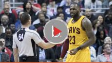 LeBron James defends Stephen Curry, calls Donald Trump 'a bum'
