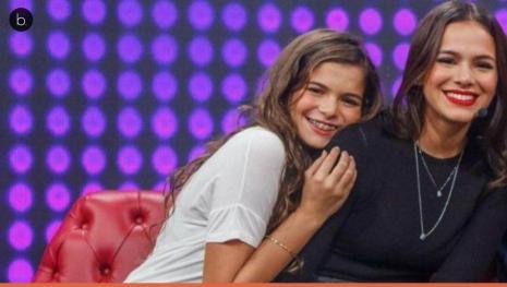 Bruna Marquezine mostra detalhes da festa de 15 anos de Luana sua irmã mais nova