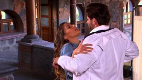 Na novela 'Um Caminho Para o Destino: Fernanda descobre bejio de Camila e Carlos