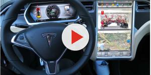 Owners and drivers review and take a look to Tesla Model 3 dashboard design