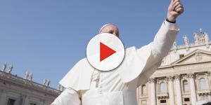 Vaticano: Papa Francesco accusato di eresie. Oscurato sito
