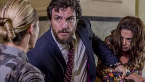 Jeiza descobre segredo obscuro de Caio e fica revoltada em 'A Força do Querer'