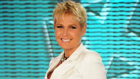 Xuxa deixa pelos no rosto no 'Dancing Brasil' e assusta fãs: 'Barba?'; veja foto