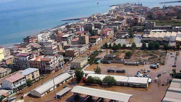 Calabria : Esplosa una bomba. 28enne rischia l'amputazione di una gamba