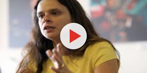 Janaína Paschoal recebe várias fotos pornográficas e se revolta