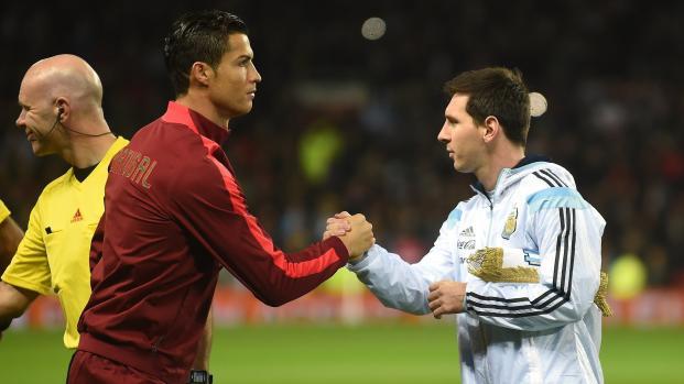 Cristiano Ronaldo 'exige el mismo salario que Lionel Messi'