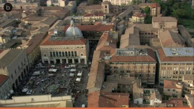 VIDEO: Pesaro, donna in carrozzina travolta e uccisa