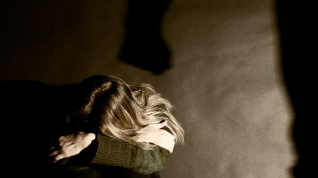 Ragazza di 25 anni violentata nel catanese