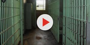Menino de 11 anos é achado na cela de pedófilo