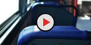 Assista: Homem se masturba no trem e é espancado