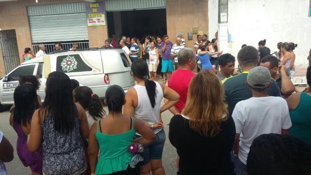 Cantor Gil Baiano morre e comove o Brasil