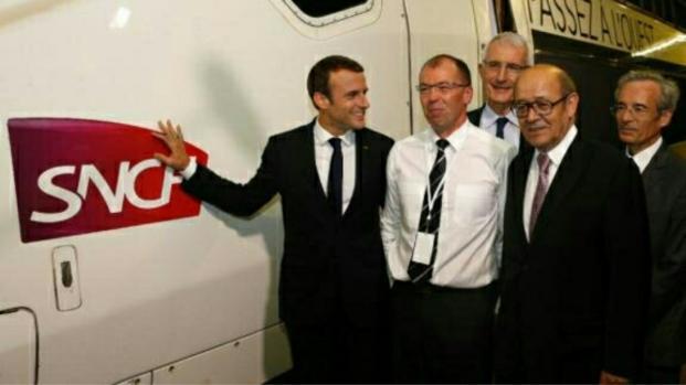 Macron souhaite mettre l'accent sur le social