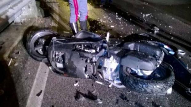 Napoli: 27enne molisano muore in un tragico incidente in moto