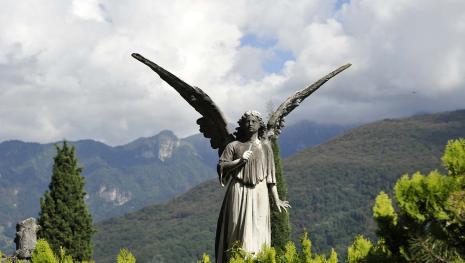 Sant'Elpidio a Mare: 50enne suicida in cimitero