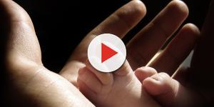 Após criança nascer com dois orgãos sexuais, família tenta mudar registro