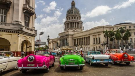 Trump responsabiliza Cuba por ataque misterioso contra diplomatas americanos.