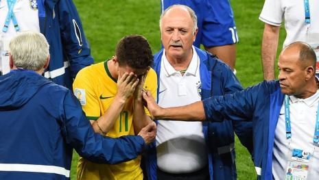 Vexame brasileiro leva Temer a comparar Felipão com Dilma e situação fica tensa